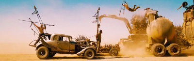 Mad Max 4 Fury Road Chase Tom Hardy, Charlize Theron, Nicholas Hoult, Hugh Keays-Byrne, Rosie Huntington-Whiteley, Riley Keough, Zoë Kravitz, Abbey Lee, Courtney Eaton, Josh Helman, iOTA 2