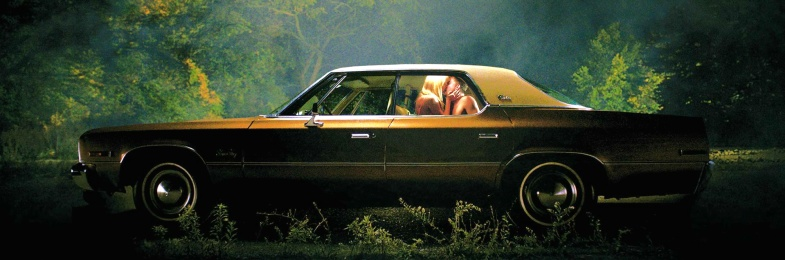 It Follows Car Wheelchair Tarantino Maika Monroe, Keir Gilchrist, Olivia Luccardi, Lili Sepe, Daniel Zovatto, Jake Weary, Bailey Spry, Debbie Williams, Ruby Harris, Leisa Pulido, Ele Bardha
