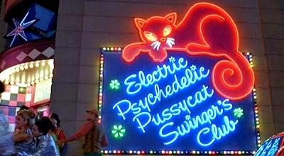 Austin Powers Electric Pussycat Psychedelic Sw Mike Myers, Elizabeth Hurley, Robert Wagner, Seth Green, Mindy Sterling, Michael York, Fabiana Udenio, Will Ferrell, Mimi Rogers, Joe Son, Carrie Fisher, Burt Bacharach, Cindy Margolis
